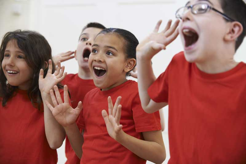 kids-perform